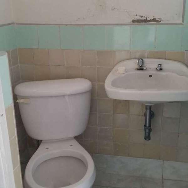 Casa de 6 cuartos y 3 baños por $ 50.000