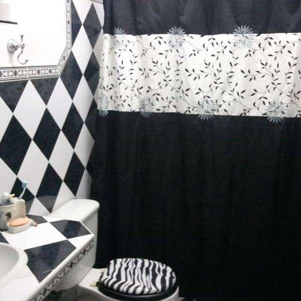 Casa de 3 cuartos y 2 baños por $ 70.000: