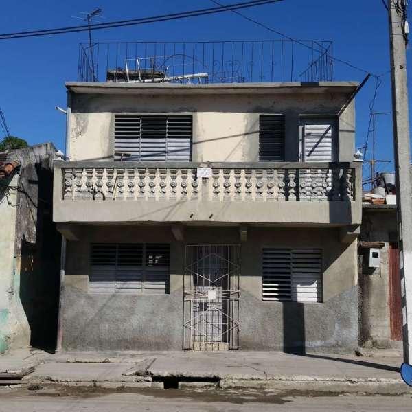 Casa de 3 cuartos y 2 baños por $ 16.000