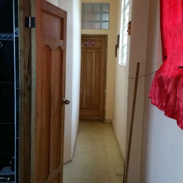 Casa de 3 cuartos y 2 baños por $ 25.000