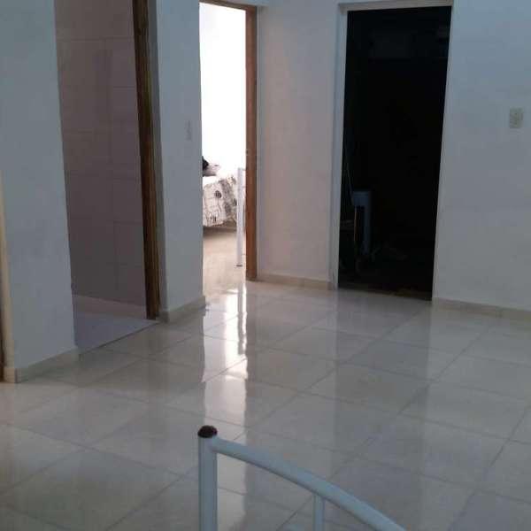 Apartamento de 3 cuartos y 2 baños por $ 60.000: Sala en segundo nivel