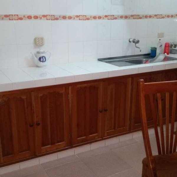 Apartamento de 3 cuartos y 2 baños por $ 60.000: Meseta en la cocina