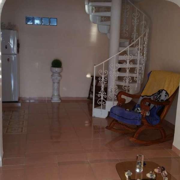 Apartamento de 3 cuartos y 2 baños por $ 60.000: Saleta