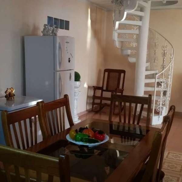 Apartamento de 3 cuartos y 2 baños por $ 60.000: Comedor