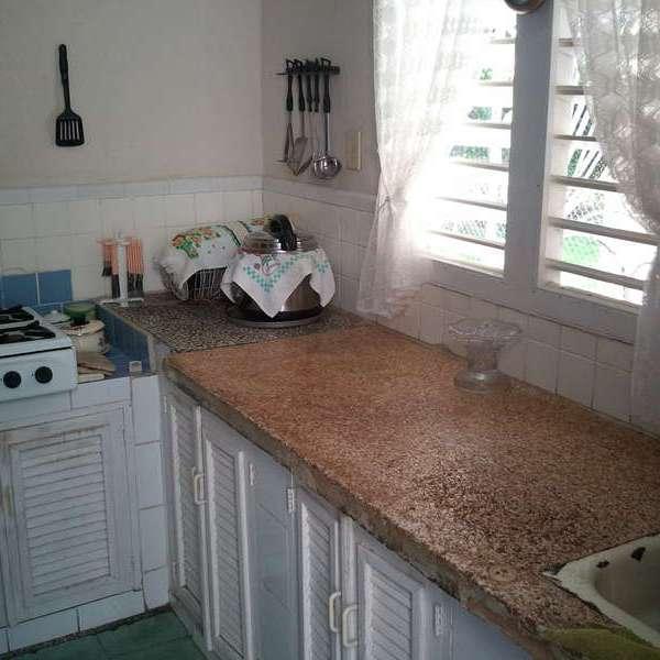 Casa de 3 cuartos, 2 baños y 1 garaje por $ 120.000