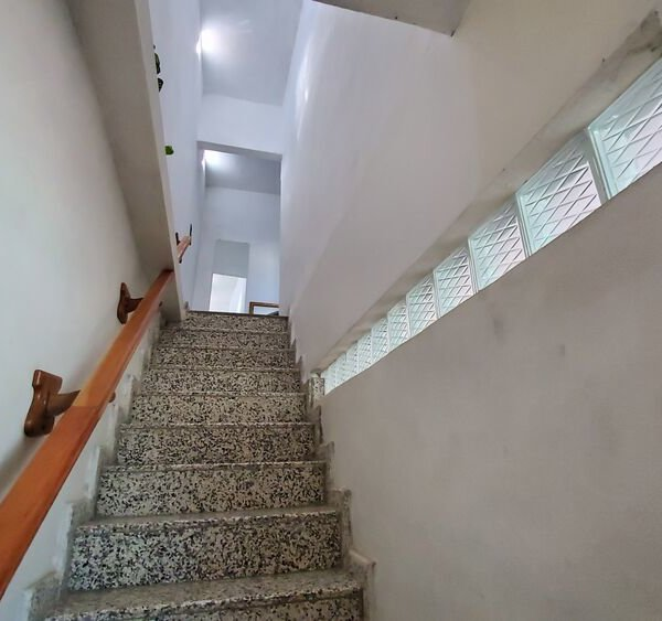 Casa de 6 cuartos por $ 80.000