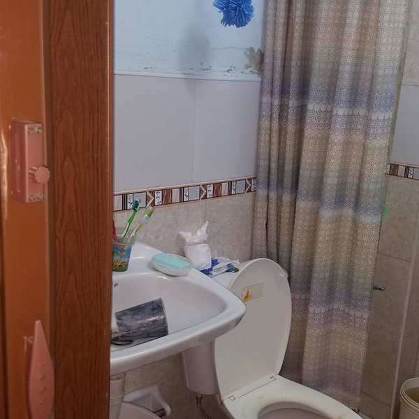 Casa de 2 cuartos y 1 baño por $ 11.000