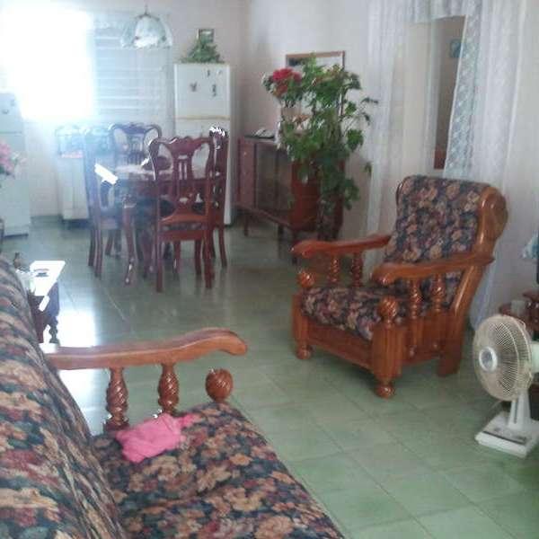Apartamento de 2 cuartos, 1 baño y 1 garaje por $ 15.000