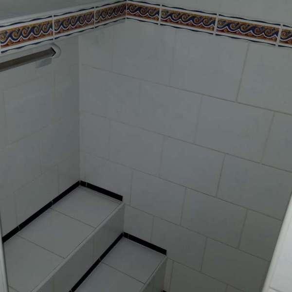 Casa de 3 cuartos y 2 baños por $ 42.000