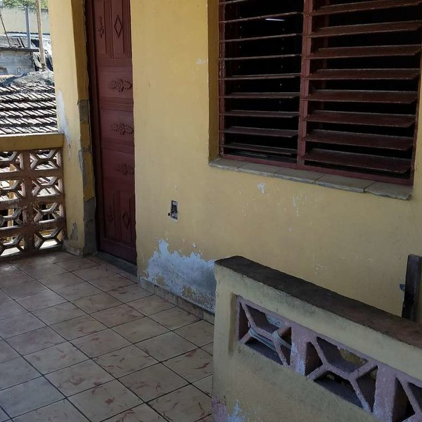Casa de 4 cuartos y 2 baños por $ 35.000