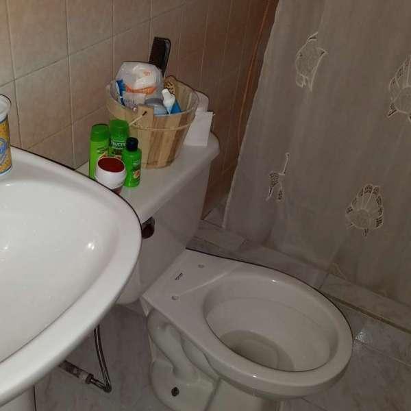 Casa de 3 cuartos y 2 baños por $ 100.000