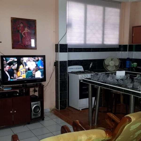 Casa de 9 cuartos y 4 baños por $ 120.000