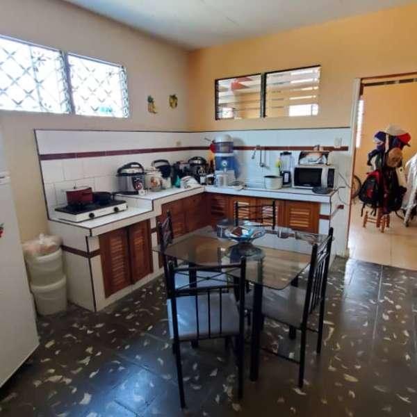 Casa de 2 cuartos por $ 35.000