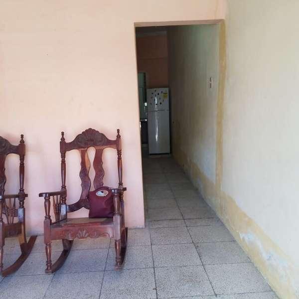 Casa de 2 cuartos y 2 baños por $ 22.000