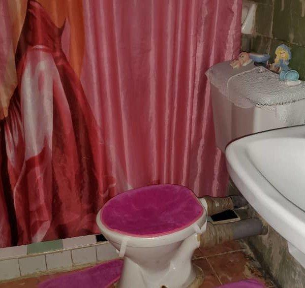 Apartamento de 3 cuartos y 1 baño por $ 8.000
