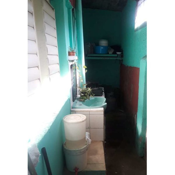 Casa de 3 cuartos y 2 baños por $ 35.000