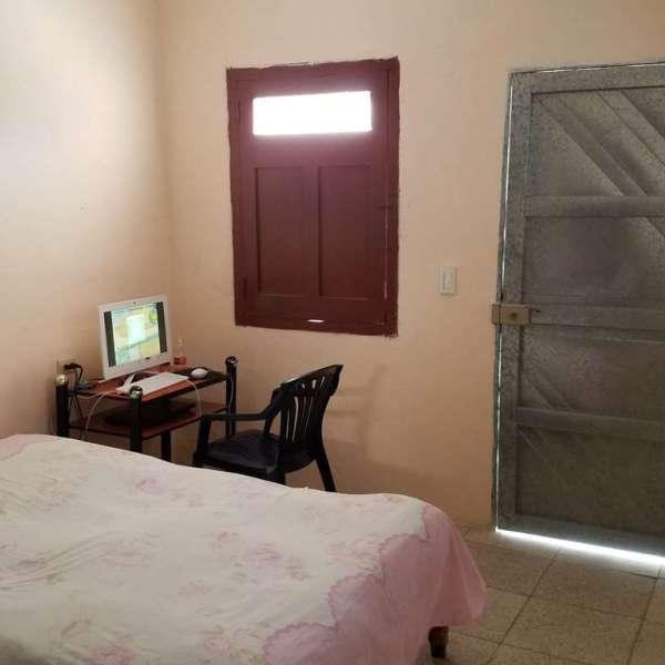 Casa de 3 cuartos y 1 baño por $ 18.000