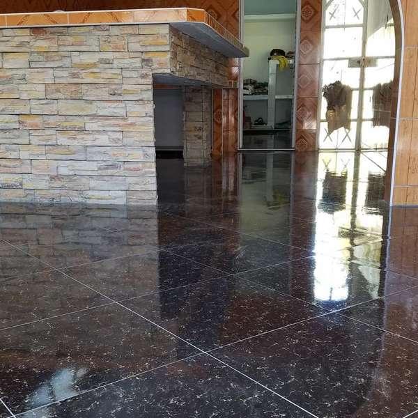 Casa de 3 cuartos, 3 baños y 1 garaje por $ Ajustable: