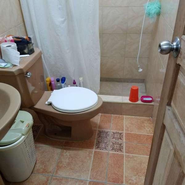 Casa de 2 cuartos y 1 baño por $ 20.000