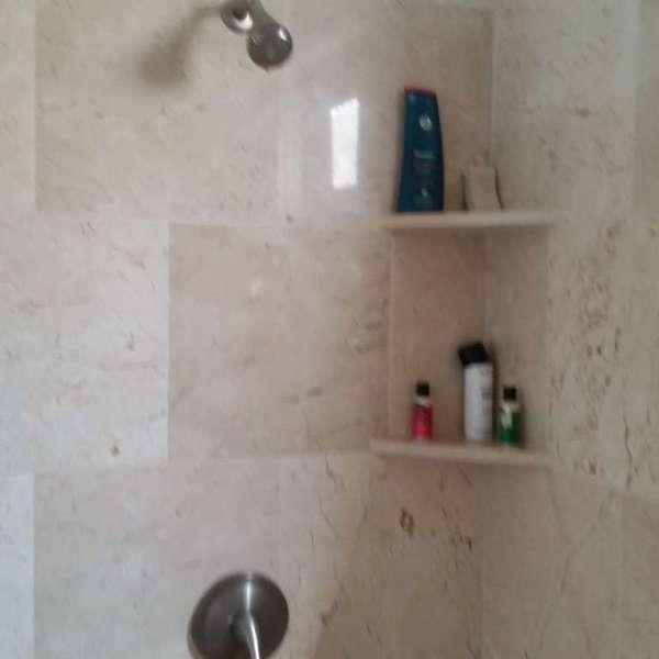 Casa de 3 cuartos, 3 baños y 1 garaje por $ Ajustable
