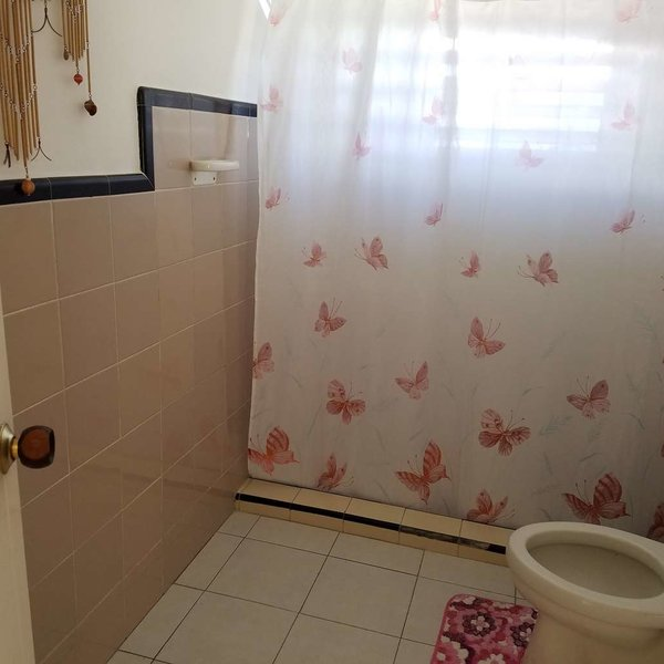 Casa de 2 cuartos y 1 baño por $ 50.000