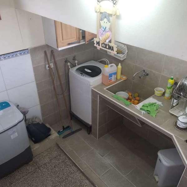 Casa de 2 cuartos, 2 baños y 1 garaje por $ 40.000