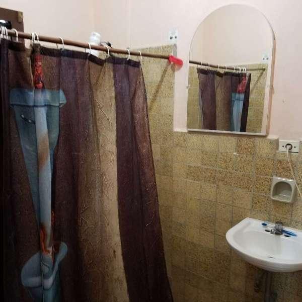 Casa de 1 cuarto, 1 baño y 1 garaje por $ 25.000