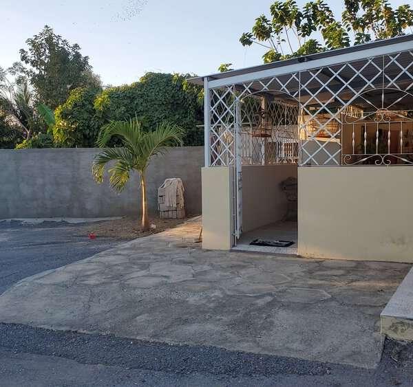 Casa de 3 cuartos y 1 baño por $ 70.000