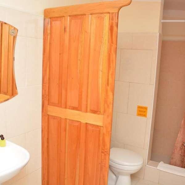 Casa de 8 cuartos, 8 baños y 1 garaje por $ 250.000