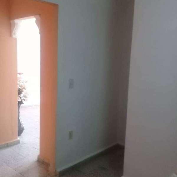Apartamento de 3 cuartos y 1 baño por $ 20.000
