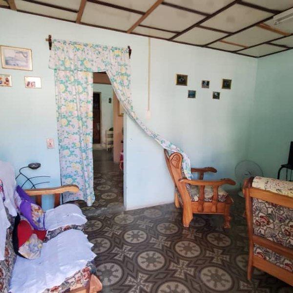 Casa de 1 cuarto y 1 baño por $ 14.000