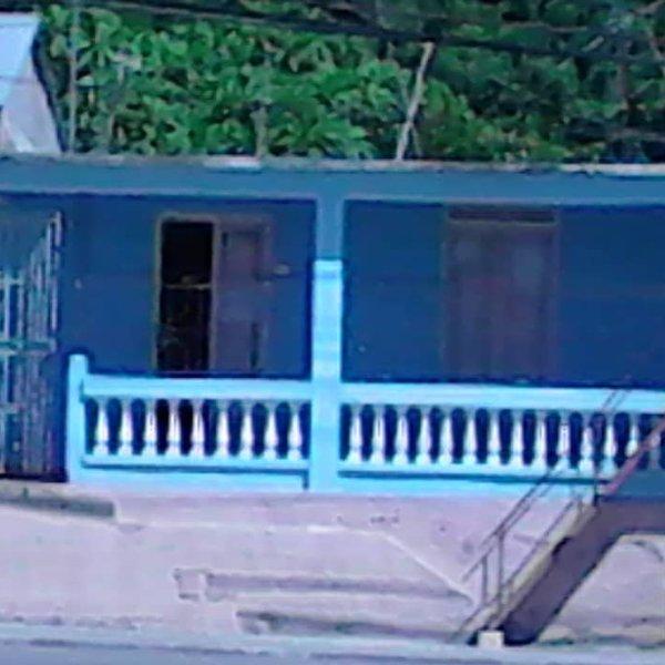 Casa de 5 cuartos y 1 baño por $ 50.000