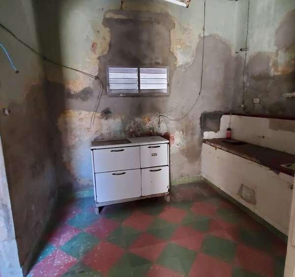 Casa de 4 cuartos y 1 baño por $ 40.000