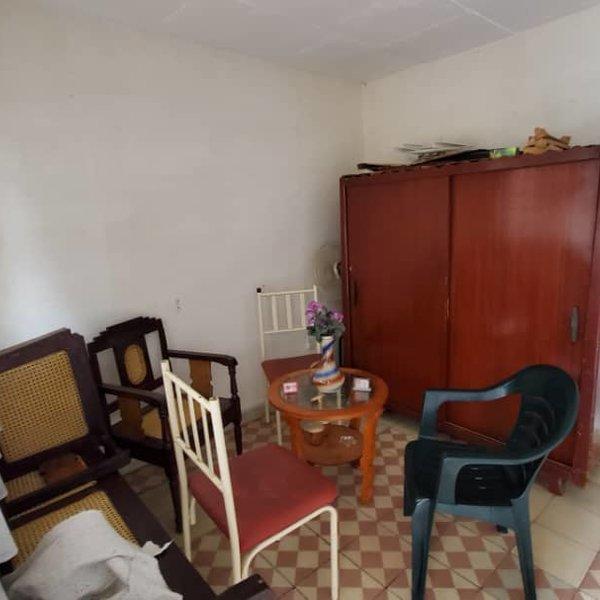 Casa de 2 cuartos y 2 baños por $ 20.000