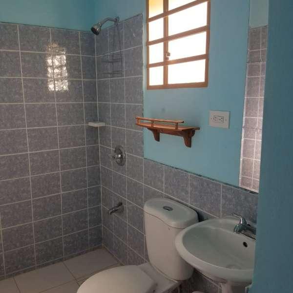 Casa de 7 cuartos y 9 baños por $ 100.000