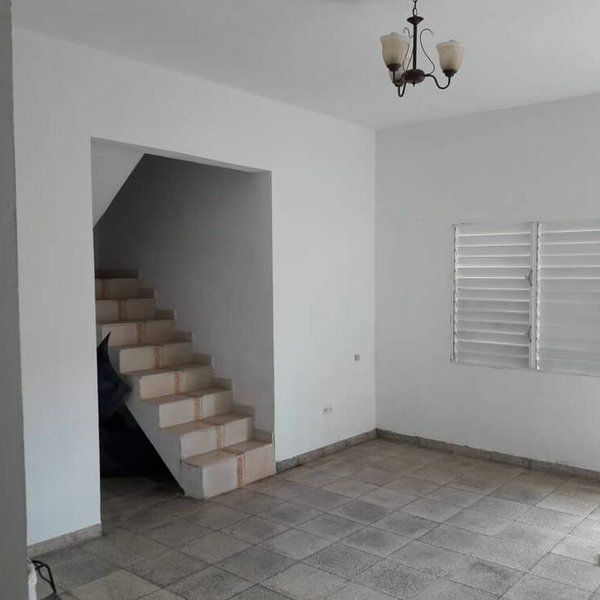 Casa de 4 cuartos y 3 baños por $ 110.000