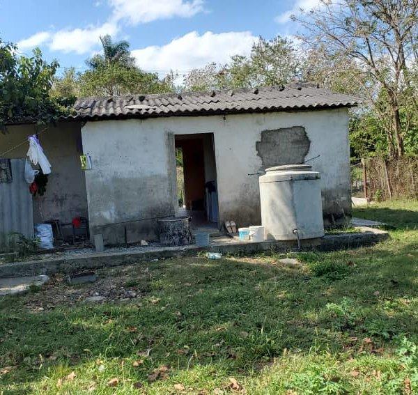 Casa de 1 cuarto y 1 baño por $ 15.000