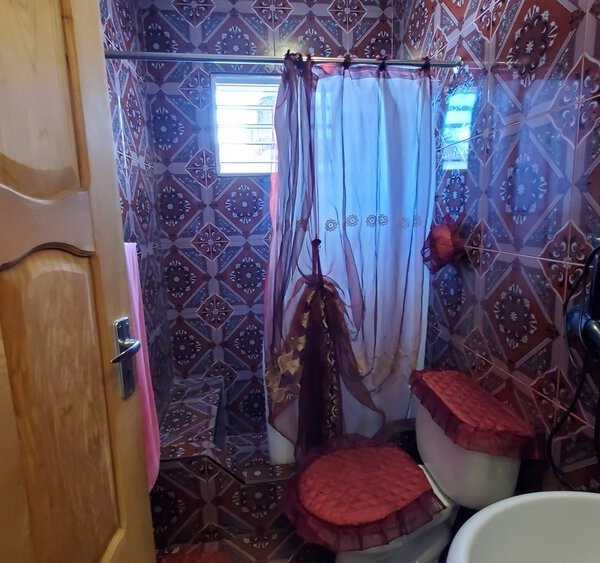 Casa de 3 cuartos, 3 baños y 1 garaje por $ 95.000
