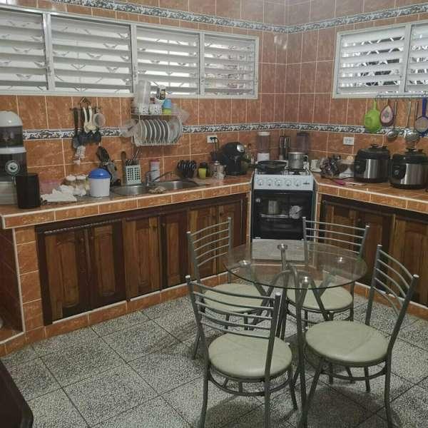 Casa de 3 cuartos, 2 baños y 1 garaje por $ 110.000
