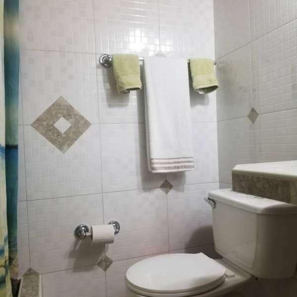 Apartamento de 2 cuartos y 1 baño por $ 27.000