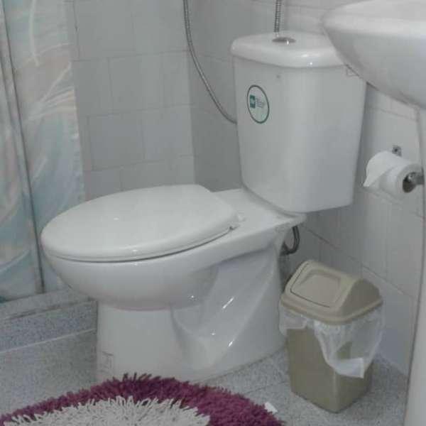 Casa de 4 cuartos y 2 baños por $ 50.000