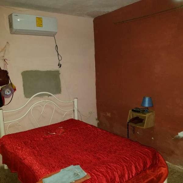 Casa de 4 cuartos, 1 baño y 1 garaje por $ 30.000