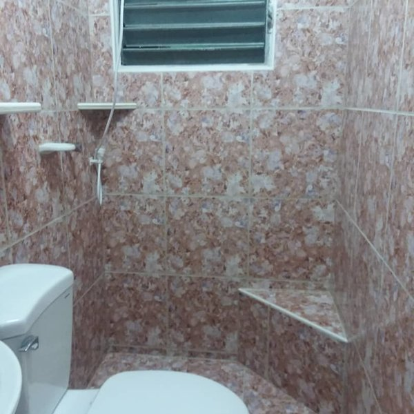 Apartamento de 3 cuartos, 1 baño y 1 garaje por $ 28.000