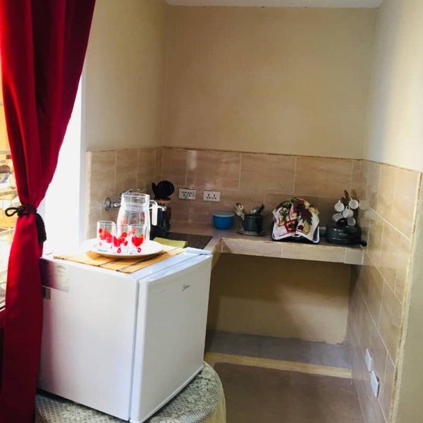 Casa de 6 cuartos, 6 baños y 2 garajes por $ 800.000