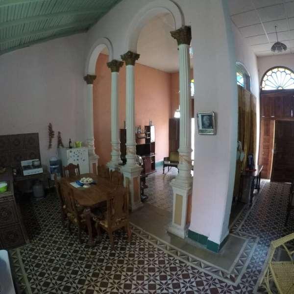 Casa de 4 cuartos y 3 baños por $ 75.000