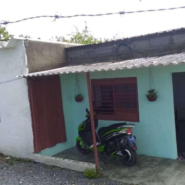 Casa de 2 cuartos y 1 baño por $ 17.000
