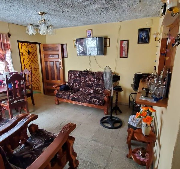 Casa de 3 cuartos y 1 baño por $ 40.000