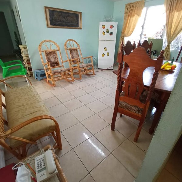 Apartamento de 4 cuartos y 1 baño por $ 40.000