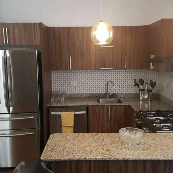 Apartamento de 5 cuartos, 3 baños y 1 garaje por $ 300.000