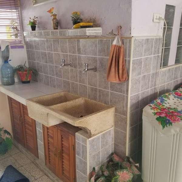 Casa de 4 cuartos, 2 baños y 1 garaje por $ 32.000